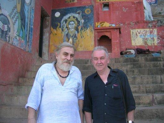 Mike Magee, desno, sa Mark Dyczkowski-m, koji je bio jedan od svetskih najpoznatijih svetskih poznavalaca tantre i kašmirskog šaivizma